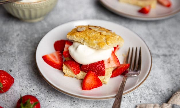 Easy Homemade Strawberry Shortcake Recipe (Gluten-free option!)