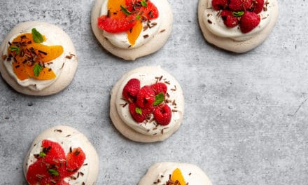 Mini Pavlovas with Dark Chocolate (Gluten-Free)
