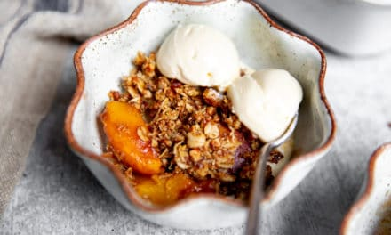 Easy Gluten Free Peach Crisp Recipe (HEALTHY, Vegan Option!)